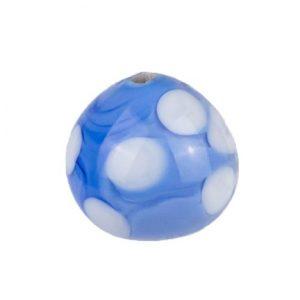 blaue, tropfenfoermige glasperle mit eingelassenen weissen Punkten