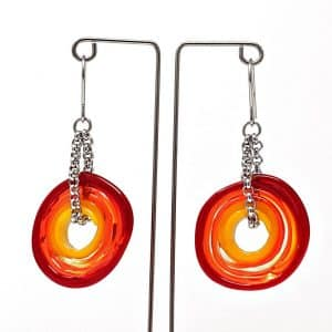 Moderne Ohrringe von colorano aus Muranoglas in den Farben rot und orange
