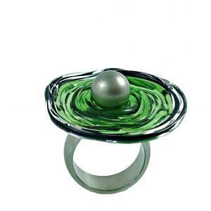 Moderner Ring in Grün aus Muranoglas - handmade Geschenk